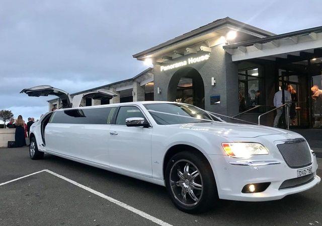 White Stretch Chrysler